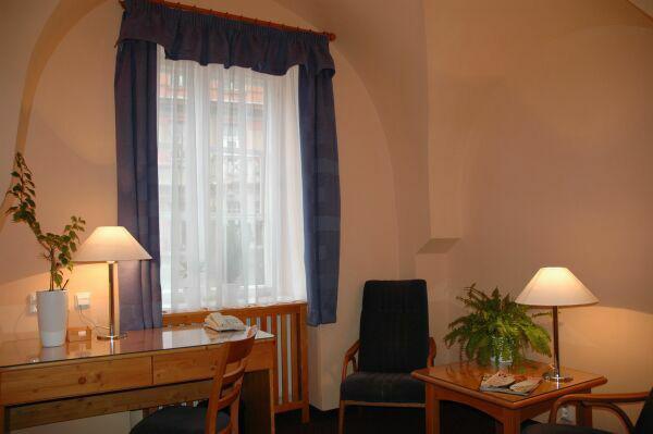 Hotel Zatkuv Dum - services